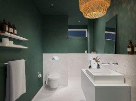 Modernes Schlauchbad mit WC, Dusche, Waschtisch und Vorwandinstallation